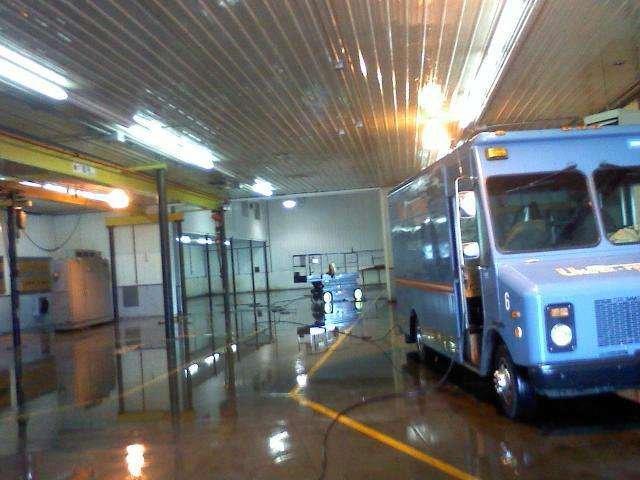 parking garage cleaning service